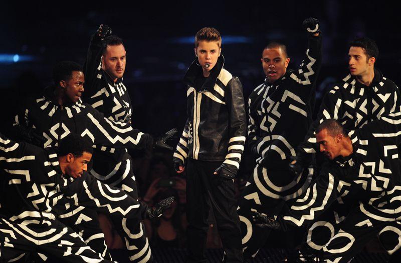 Justin Bieber também mostrou seu talento nos palcos.