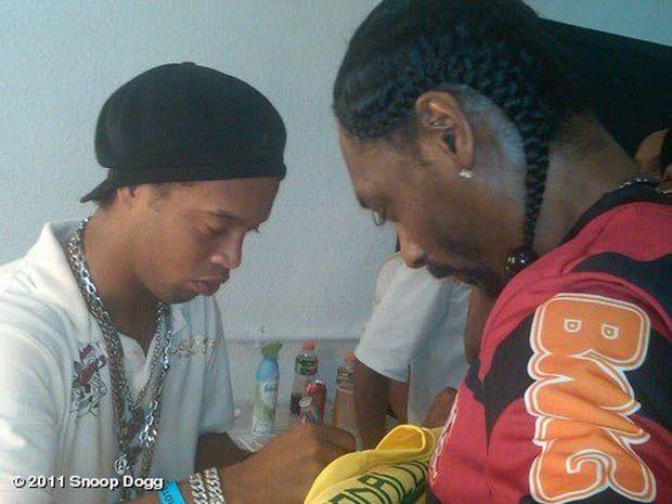 Snoop Dogg veste camisa do Flamengo - Notícias - Entretenimento ...