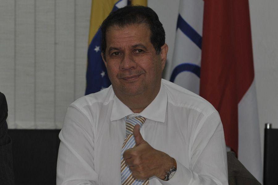 José Simão torce pela permanência de Carlos Lupi / Renato Araujo/ ABr