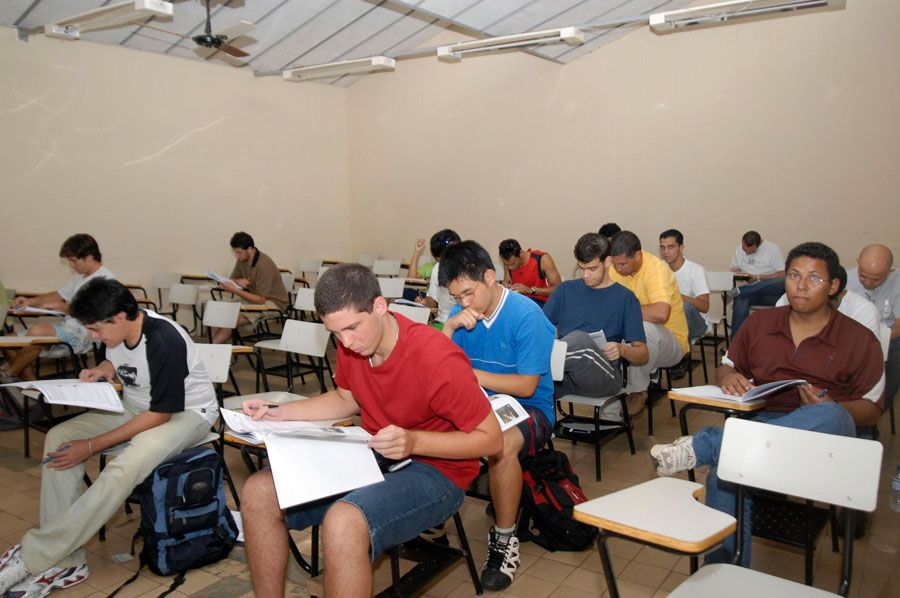 Estudantes precisam cumprir normas específicas para trocar de universidade  / Roosewelt Pinheiro/ ABr