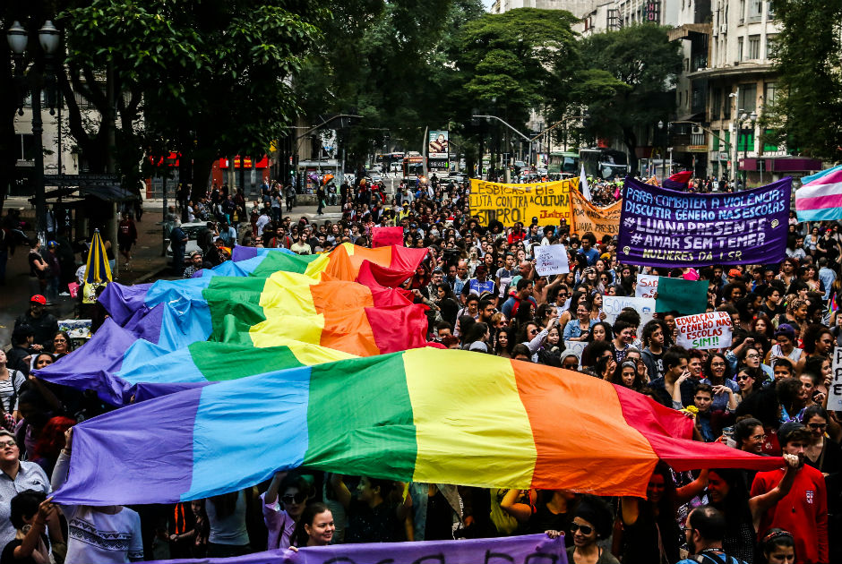 Marcha das Lésbicas pede fim da violência contra mulher