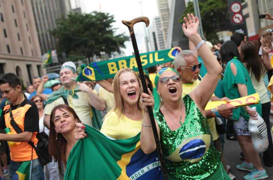 Atos contra a corrupção reúnem milhares pelo Brasil