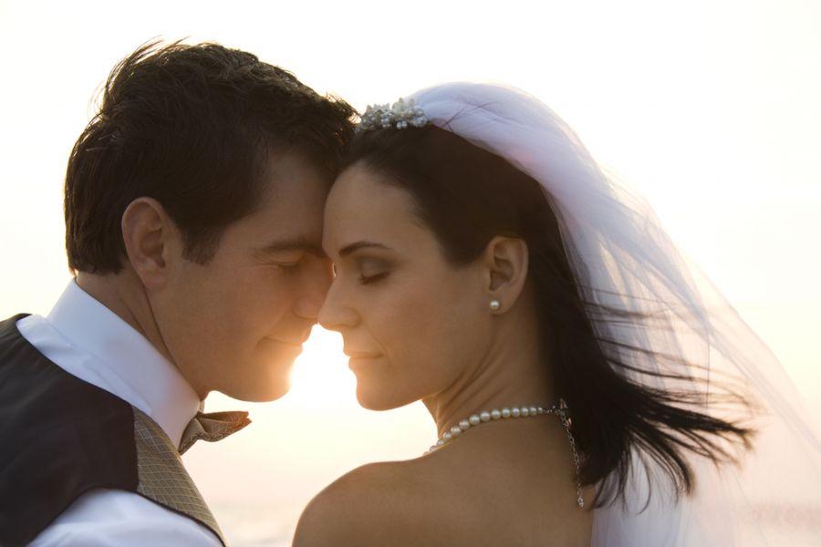 Use o verão a seu favor no casamento / Iofoto/Shutterstock