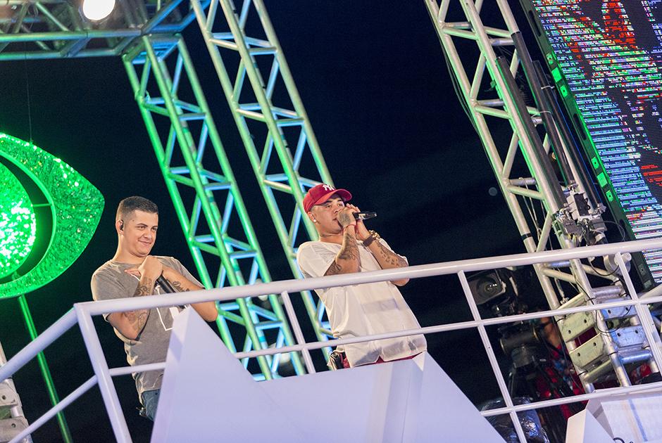 MCs Jhowzinho e Kadinho levaram o funk para o carnaval