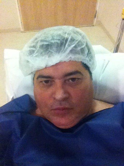 Datena momentos antes da cirurgia / Divulgação/Twitter oficial