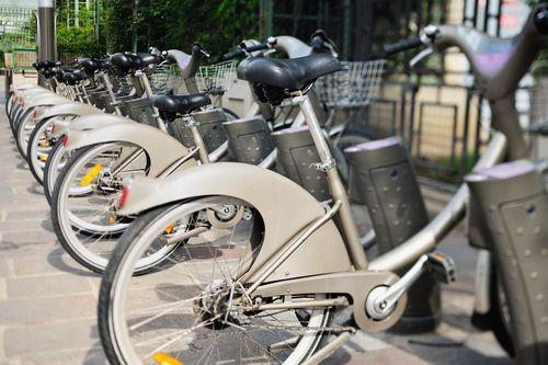 França foi um dos primeiros países a adotar sistema de aluguel de bicicletas públicas / Anatoli Styf/ Shutterstock