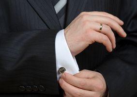 Abotoaduras, pingentes e colares são os itens mais procurados / Shutterstock.com