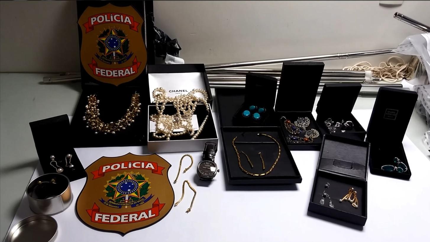 Polícia Federal apreende joias de Sérgio Cabral