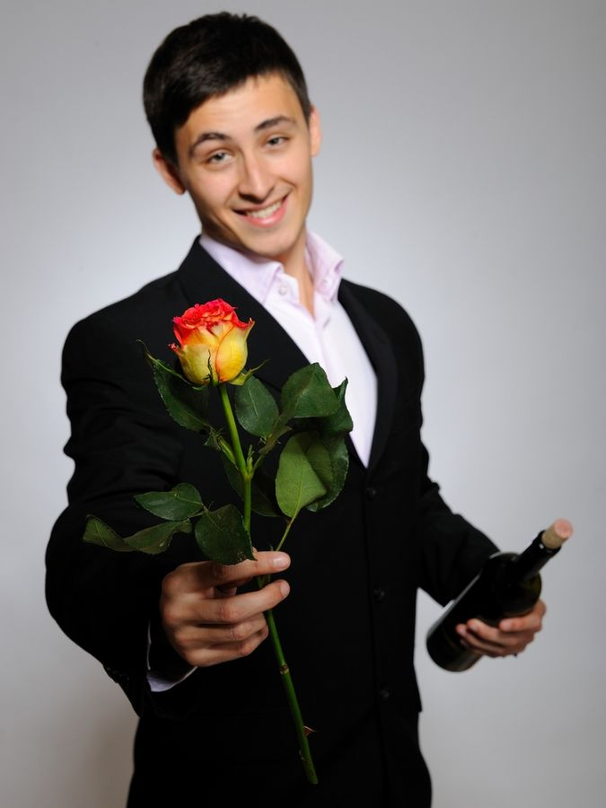 88% dos homens solteiros preferiam estar namorando no carnaval / Shutterstock
