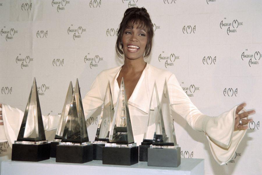 Polícia diz que morte de Whitney Houston não foi homicídio
