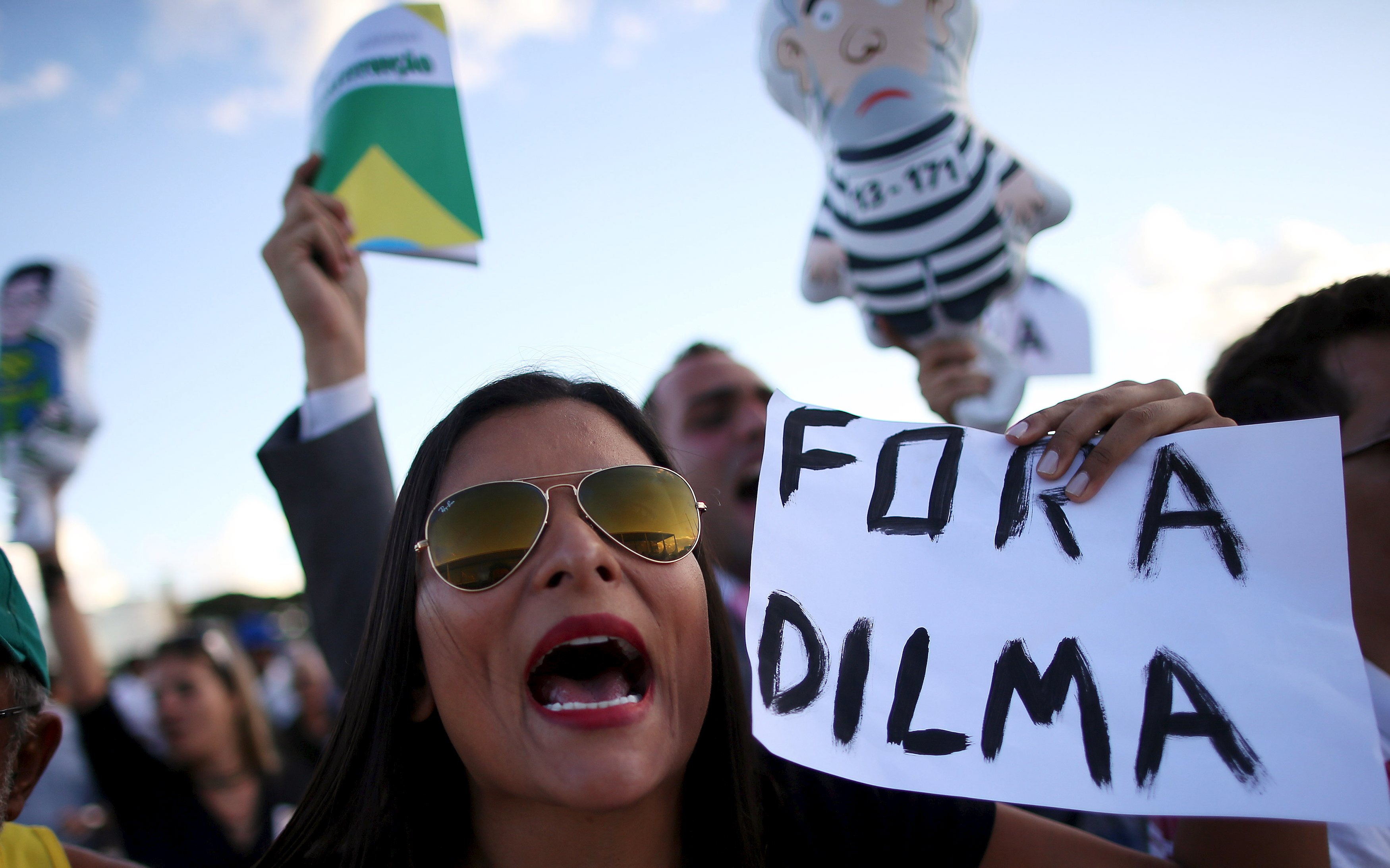 Manifestantes protestam contra nomeação de Lula