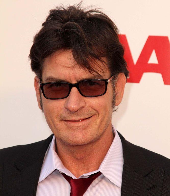 Charlie Sheen virá ao Brasil em abril / s_bukley/Shutterstock.com