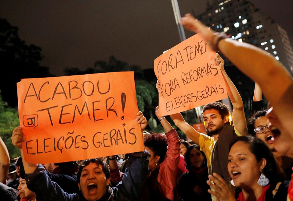 Após denúncia, protestos pedem impeachment de Temer