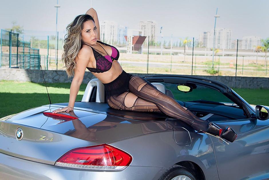 Mulher Melão faz ensaio sexy e revela fetiche