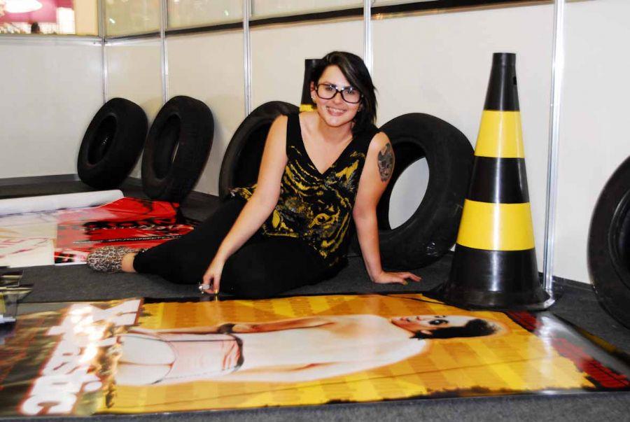 Mayara Medeiros é fotografada em feira erótica / Celso Akin/AgNews