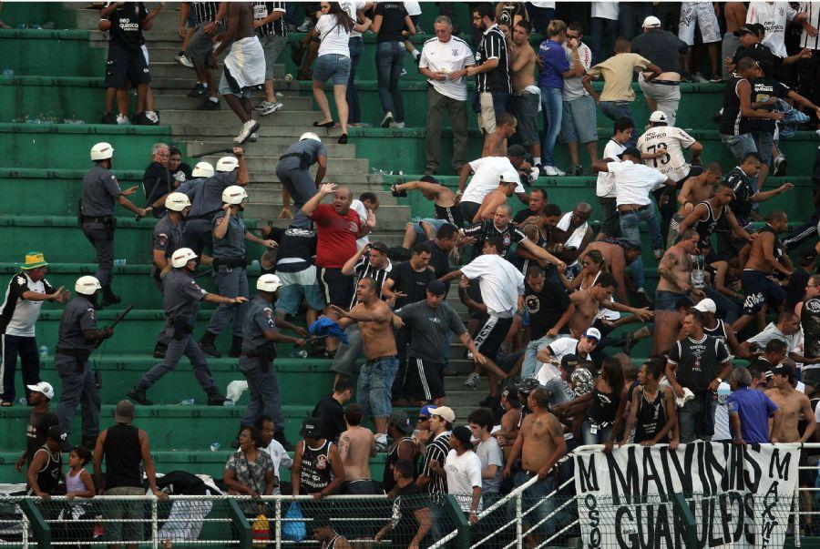 Federação proibiu a entrada da Mancha Alvi Verde e da Gaviões da Fiel nos estádios / JF Diorio/ AE