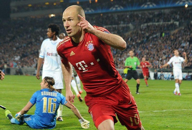 Robben comemora gol na vitória do Bayern sobre o Olympique nesta quarta-feira / Gerard Julien/AFP
