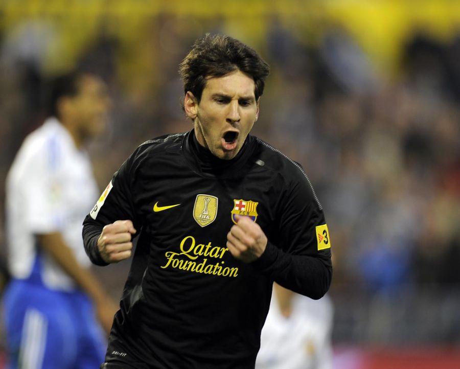 Messi balançou as redes duas vezes contra o Zaragoza / Lluis Gene/AFP