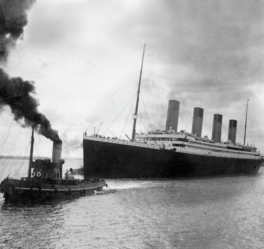 Imagem mostra o Titanic deixando Southampton em sua primeira e única viagem, em abril de 1912 / Southampton City Council/AFP