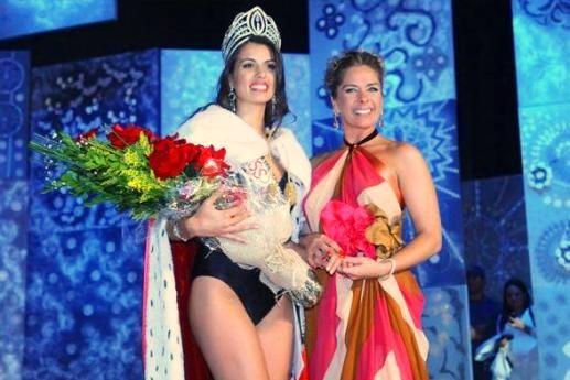 Adriane Galisteu apresentou o concurso que elegeu Rafaela /