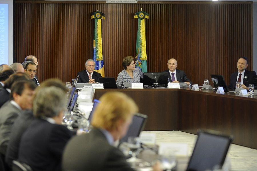 Dilma reuniu-se com representantes sindicais para expor proposta / Fabio Rodrigues Pozzebom/ABr