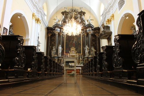 Em alguns casos, a decoração da igreja precisa ser aprovada  / Caamalf/Shutterstock