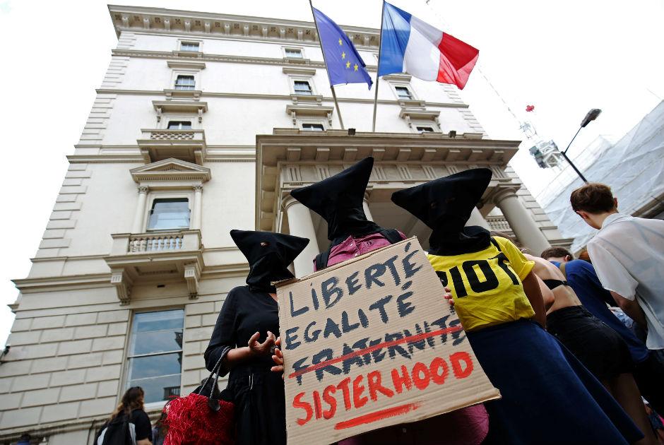 Ato em Londres contra a proibição do burkini