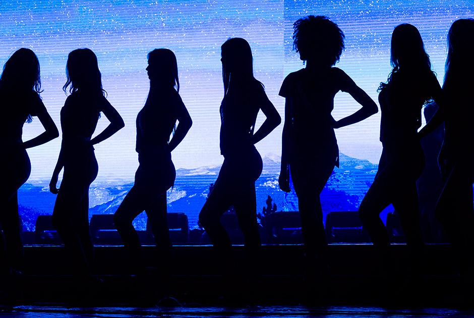 Candidatas a Miss SP Be Emotion participam de ensaio geral