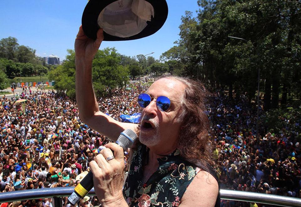 Blocos agitam o pré-Carnaval em SP