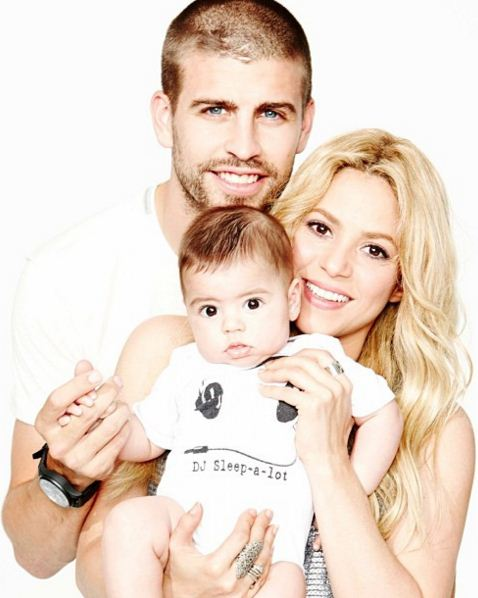 Shakira e Piqué revelam intimidade em rede social