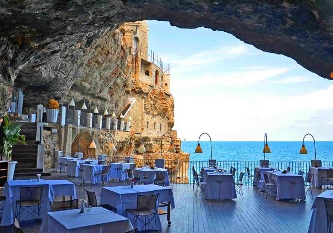 Conheça o restaurante criado dentro de uma gruta