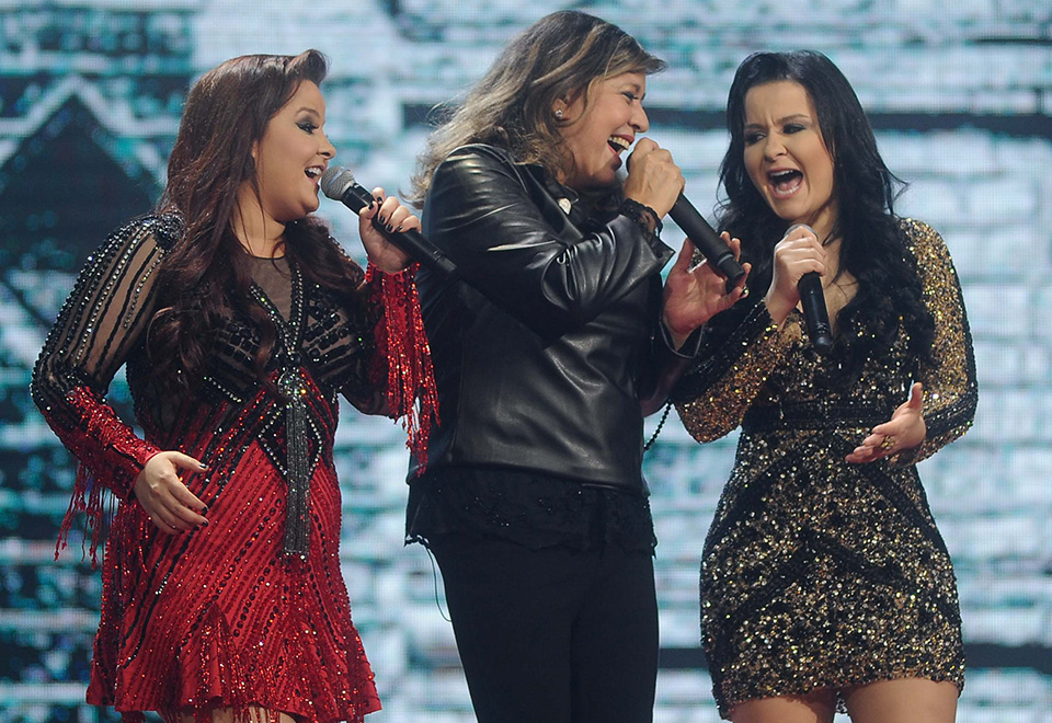 Roberta Miranda grava DVD com cantoras sertanejas