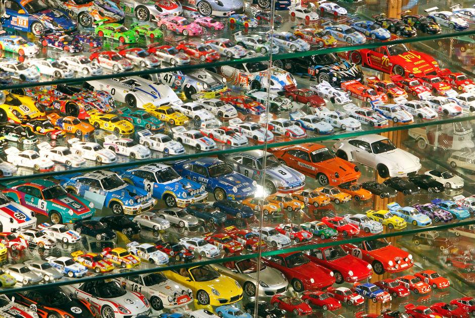 Veja a maior coleção de carros em miniaturas do mundo