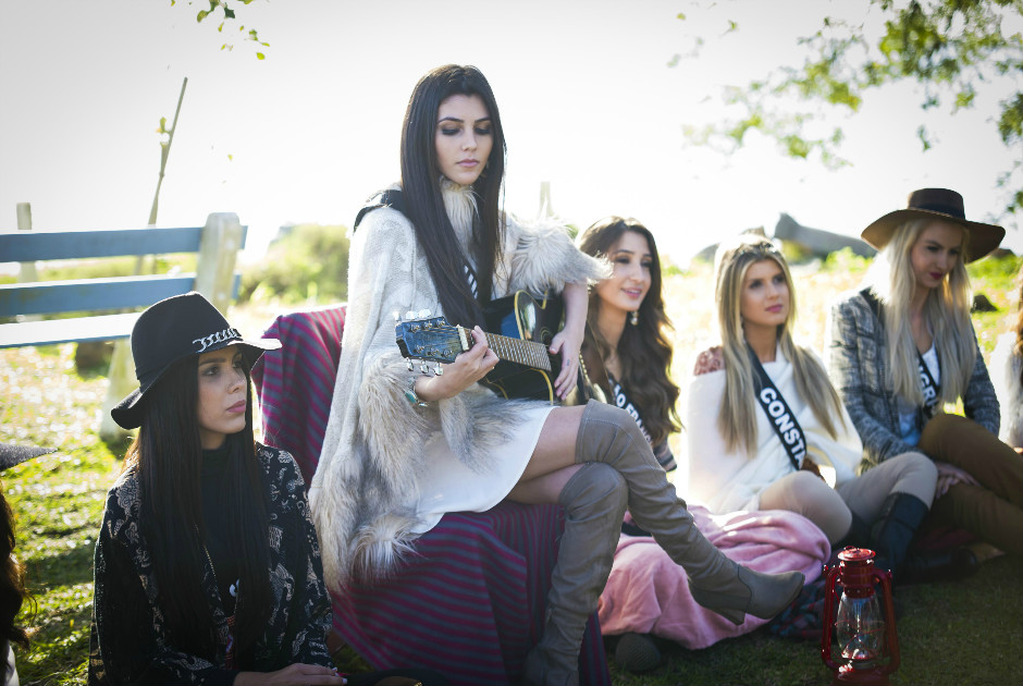 Candidatas ao Miss Rio Grande do Sul participam de luau à beira do Guaíba