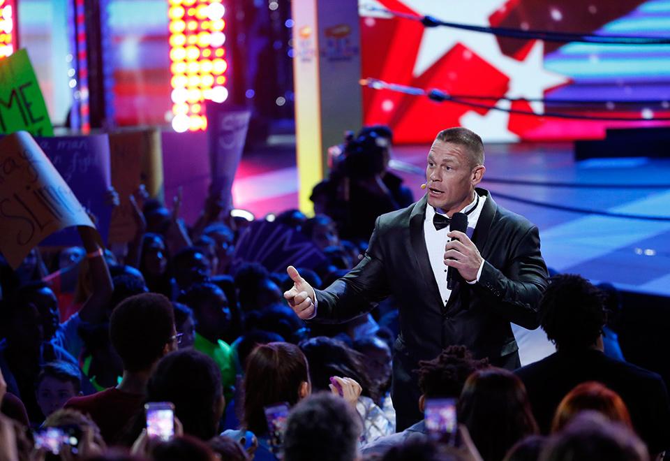 Kids' Choice Awards têm gosma, prêmios e apresentações