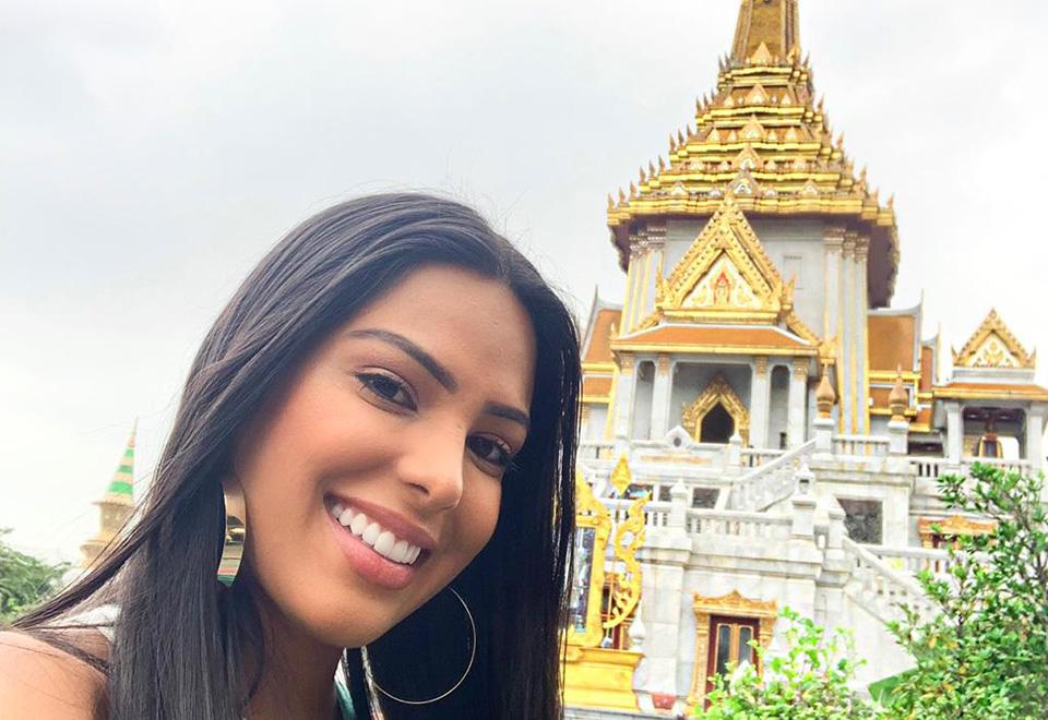 Mayra Dias aproveita folga para conhecer Bangkok