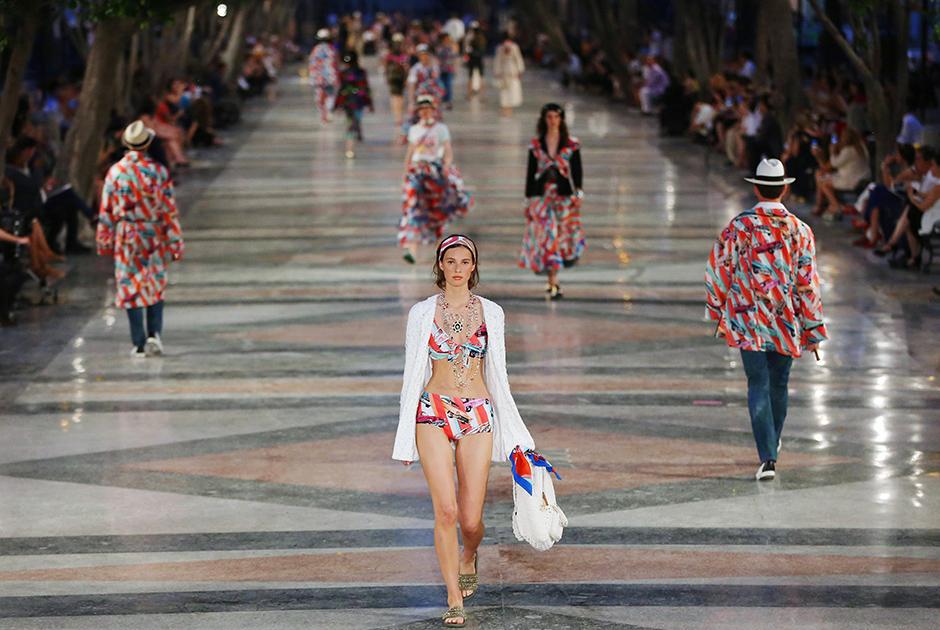 Chanel apresenta nova coleção em Cuba com Gisele Bündchen e Vin Diesel na plateia