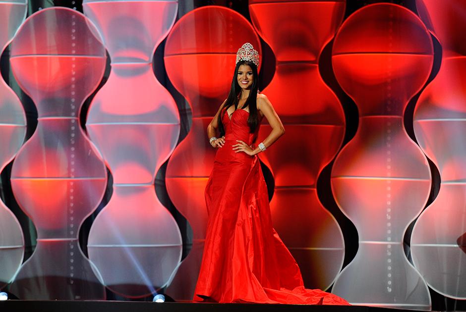 Jakelyne Oliveira, Miss Brasil 2013, relembrou a sua trajetória