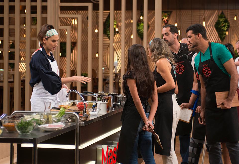 Competidores replicam prato de Paola Carosella na eliminação