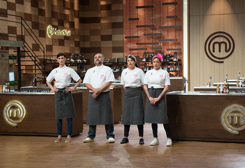 Cozinheiros reproduzem prato de chef Luca Gozzani