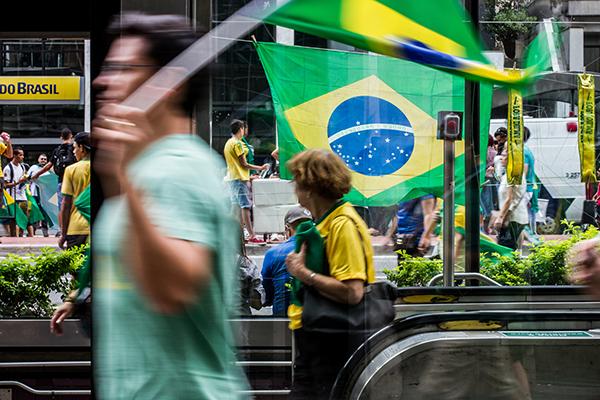 Protestos contra Dilma acontecem em pelo menos 22 estados