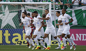 Lucas Lima comemora gol na vitória sobre Chapecoense Márcio Cunha Mafalda Press Estadão Conteúdo 300x180.jpg