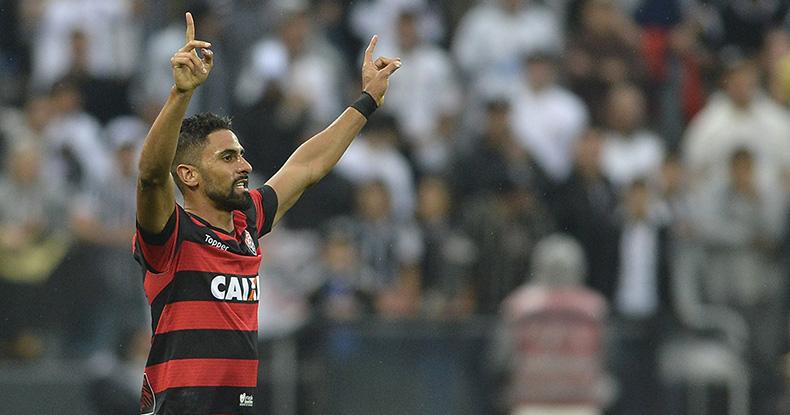 Trellez, do Vitória (BA), comemora seu gol em partida contra o Corinthians Mauro Horita Estadão Conteúdo 790x415.jpg