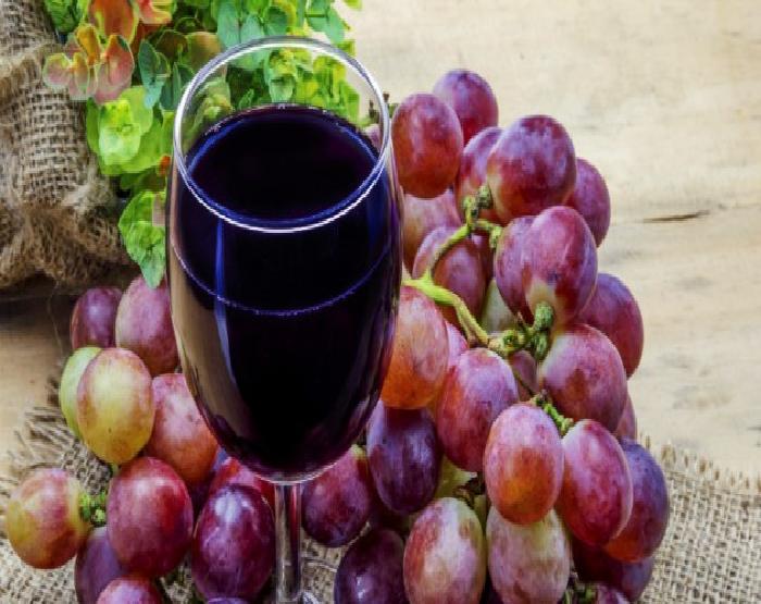 uva e vinho.png