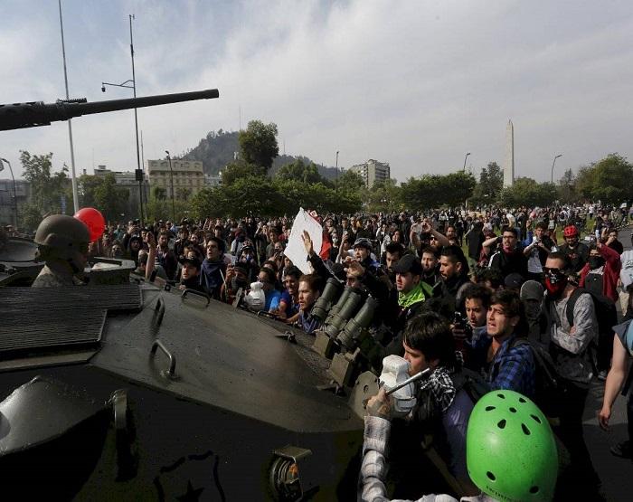 PROTESTOS CHILE CAPA.jpg