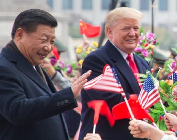 Donald_Trump_ao_lado_de_Xi_Jinping_em_novembro_de_2017.jpg