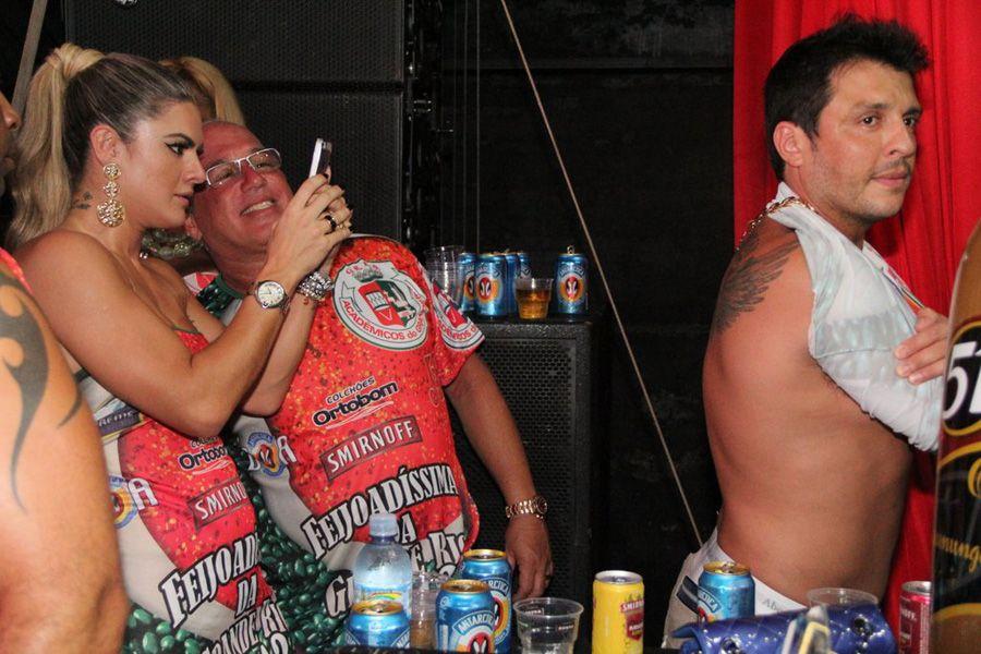Mirella Santos clica tatuagem de Ceará Foto: Rodrigo dos Anjos/AgNews