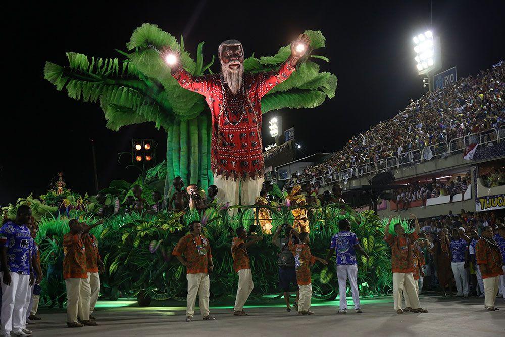 Beija-Flor homenageia a Guiné Equatorial em seu desfile / Anderson ...